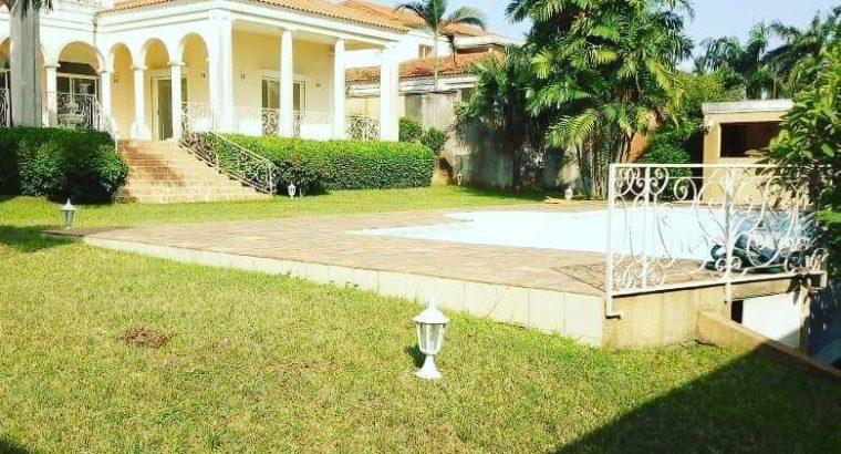 Abidjan : Superbe Villa á Vendre