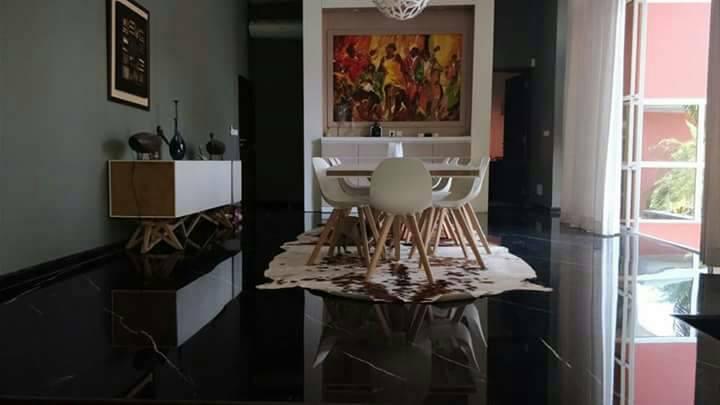 Villa de 10 pièces à Cocody centre Mermoz