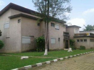 Villa duplex de 10 pièces à COCODY Angre 7 ème tranche.