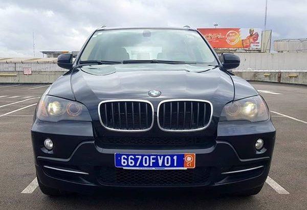 BMW ( X5 ) ANNÉE 2010 ( TRÈS PROPRE)