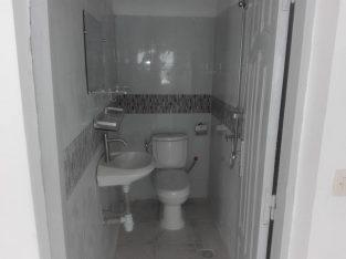 À louer à la Riviera Attoban cité B.A.D un bel appartement de 3 pces avec parking interne