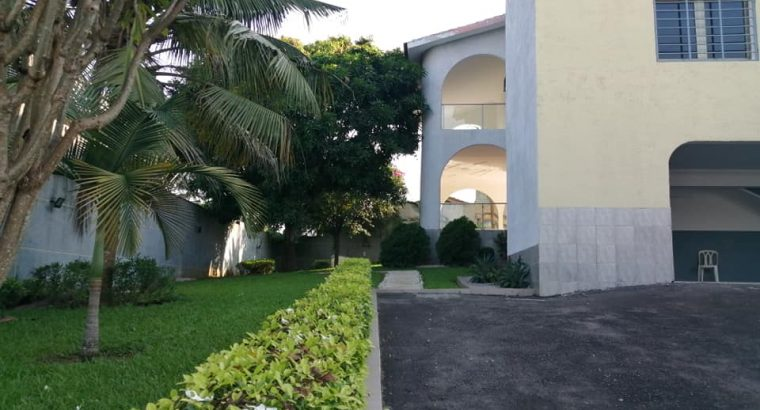 Riviera Golf : Villa Triplex à vendre